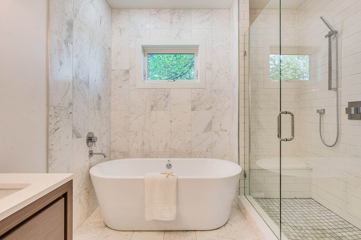 Custom Luxury Bathroom - Chicago Custom Home Builder BrightLeaf Homes | BrightLeafHomes.com
